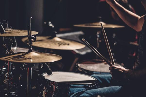 Schlagzeug, Drums und Rhythmus - Blasmusik.Digital - Die Online Konferenz für Blasmusiker